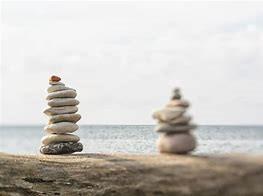 Allebei de stenen stapel in balans